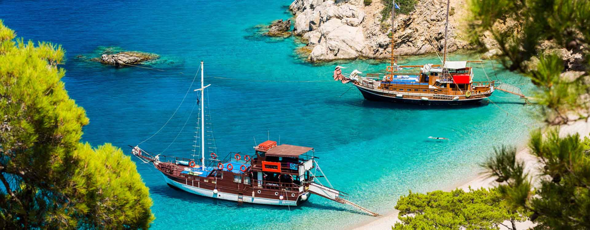 You can find us at the capital of Karpathos, Pigadia